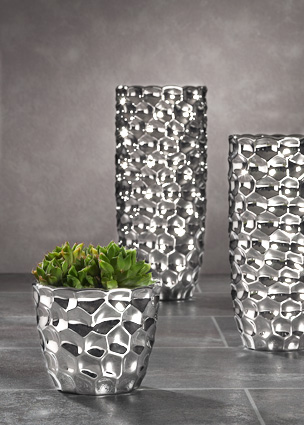 vase silber finest photo of awesome magnetic vase peleg. Black Bedroom Furniture Sets. Home Design Ideas