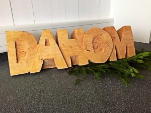 """Schriftzug """"DAHOM"""" gross = 90cm"""